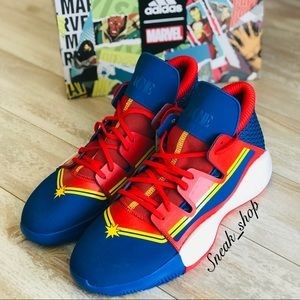 NWT Adidas Pro Vision Captain Marvel Mens Shoes